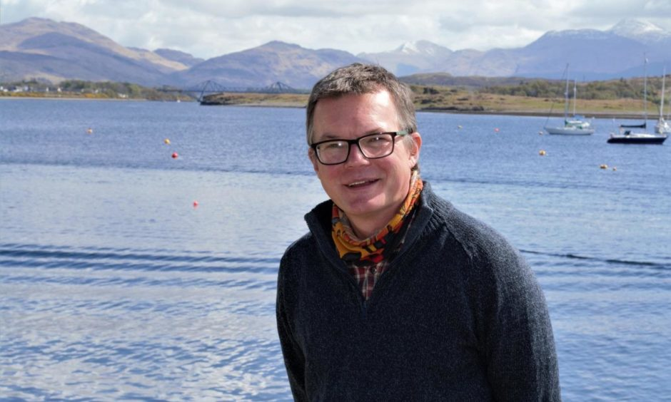 Professor John Howe has been awarded a professorship from the University of the Highlands and Islands for his creation of the marine science degree at the Scottish Association for Marine Science (SAMS).