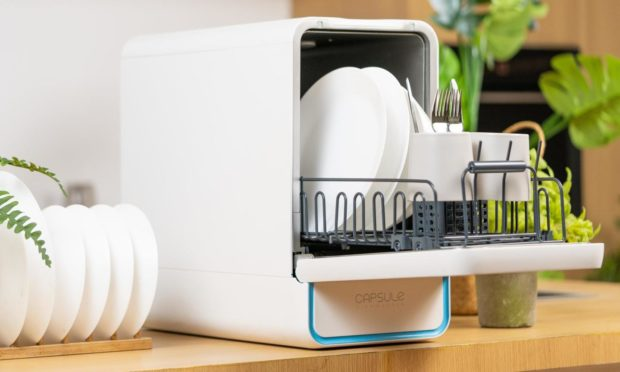 Experts create the world's smallest dishwasher to tackle climate change