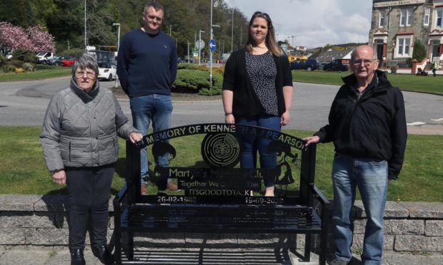 Christine Pearson (left) Tam Pearson (right) Diarmid MacMillan Martyn's Monday Club and Ailsa MacKinnon (pearson) at the unveiling of the memorial bench for Kenneth A J Pearson bench Corran Esplanade Oban.