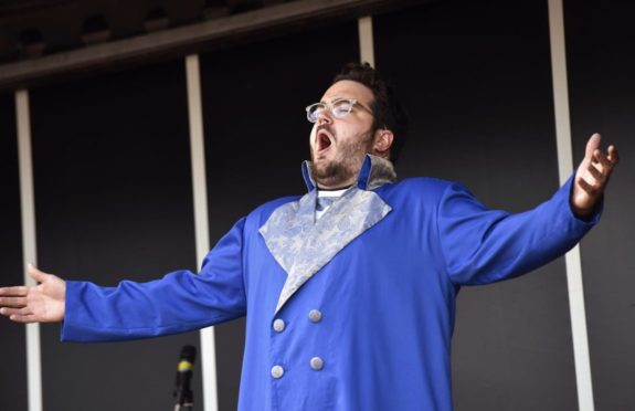 Scottish Opera are returning to live touring with a summer series of pop-up concerts.