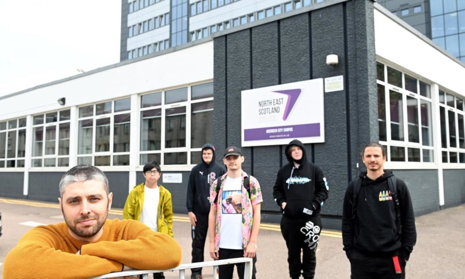 North East Scotland College (Nescol) is to offer prospective computer game designers a pathway to the burgeoning e-sports industry.