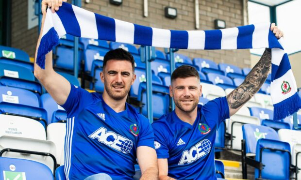 Ross Draper (left) and Iain Vigurs, who joined Cove Rangers last week.