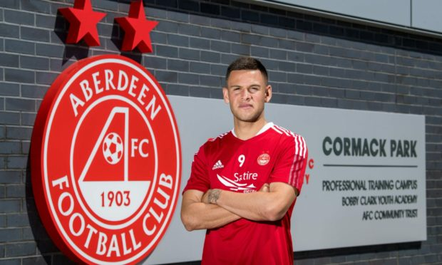 United States international Christian Ramirez has signed a two year deal at Aberdeen.