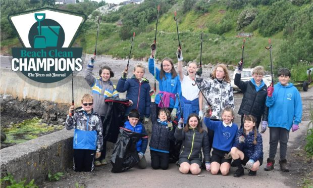 Children at Catterline Primary who are this week's Beach Clean Champions.  Back row, Left to Right: Noah, Nico, Fern, Ellie, Mirren, Lewis, Howie. Bottom row, Left to Right: Oliver, Ben, Oli, Belle, Emma, Sophia.
