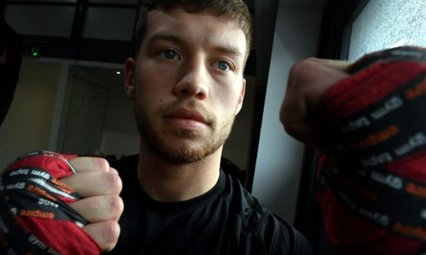 Dean Sutherland is set to fight for the WBO Youth welterweight title.