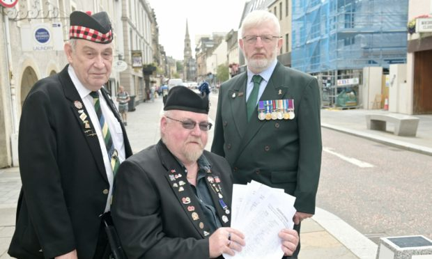 Three former servicemen Gordon MacMillan, Kenny Shand and Darren Reid lodged a petition opposing the closure of the Inverness Welfare Centre.