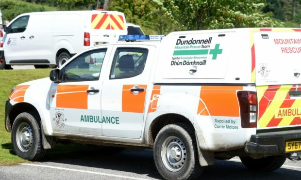 A total of 18 members of Dundonnell Mountain Rescue team were called to the 3,000ft peak to rescue two walkers who had taken a tumble.
