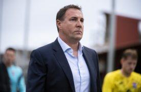 Ross County sign Charlton Athletic goalkeeper Ashley Maynard-Brewer on season-long loan deal