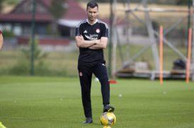 Aberdeen boss Stephen Glass ignores critical comments from Breidablik boss Oskar Hrafn Thorvaldsson