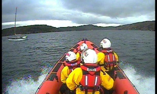 Lifeboat arriving on scene