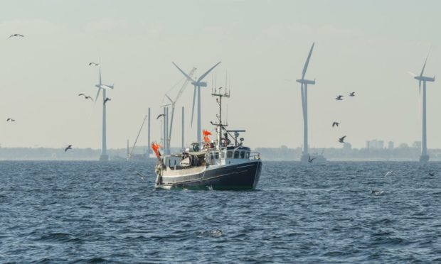 Can fishing and offshore wind farms operate harmoniously in the North Sea?