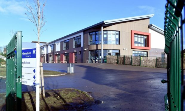 Kinellar School is shut due to staff waiting for Covid test results