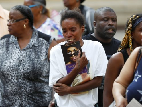 Mourners viewing Aretha Franklin's coffin (AP Photo/Paul Sancya, Pool)