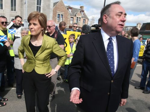 Nicola Sturgeon standards inquiry: Call to widen probe into 'sorry saga'