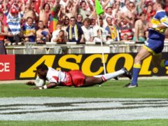 Martin Offiah scores one of rugby league's most famous tries in the Challenge Cup final in 1994 (David Giles/PA)