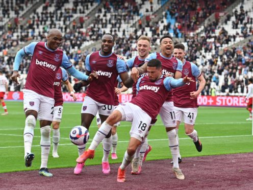 West Ham United's Pablo Fornals (centre right) celebrates scoring their side's first goal (Justin Tallis/PA)