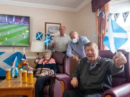 Alan Rough discussed his football career with the care home residents (handout/PA)