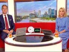 BBC Breakfast's Dan Walker and Louise Minchin with the clocks (BBC)