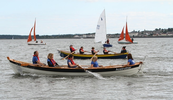 Skiffs on the Tay. Photo by Dougie Nicolson