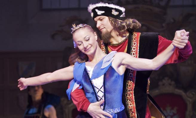 Snow White On Ice comes to the Perth Concert Hall