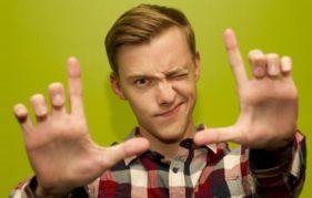 YouTube sensation Jon Cozart moves from online to on the Fringe!