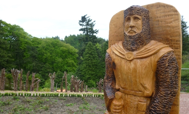 The new William Wallace Statue at Castlebank Park features on the walking trail
