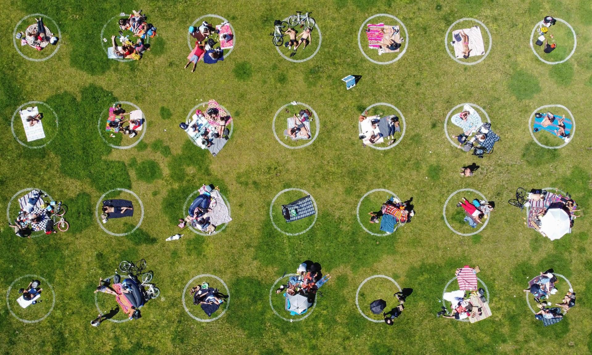 open air market designated circular seating zones