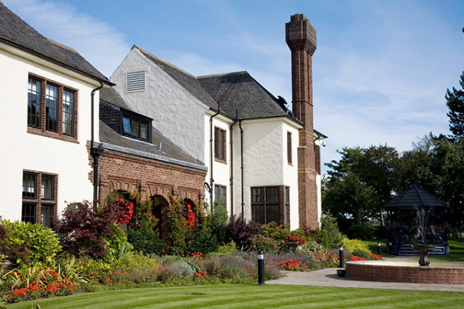 Featured Image for Western House Hotel