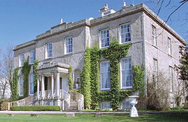 exterior - Cortes House