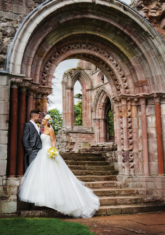323_MEL_DANNY_DRYBURGH ABBEY_PARRIS_PHOTOGRAPHY