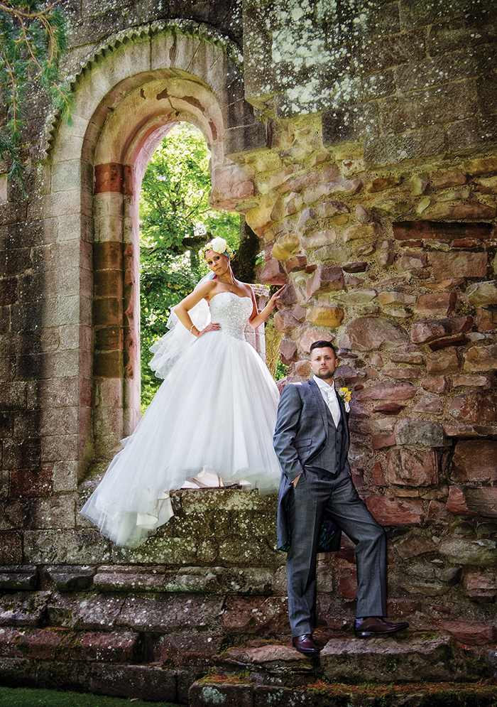 PARRIS PHOTOGRAPHY 320_MEL_DANNY_DRYBURGH ABBEY_PARRIS_PHOTOGRAPHY