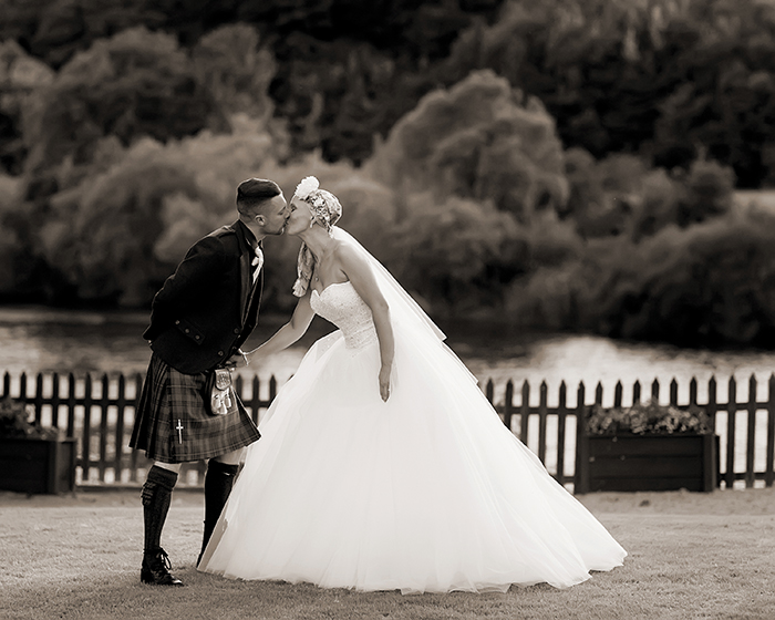 PARRIS PHOTOGRAPHY 456C_MEL_DANNY_DRYBURGH ABBEY_PARRIS_PHOTOGRAPHY