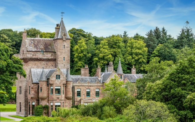 Featured Image for Guthrie Castle couples left in the lurch over alleged double booking scam