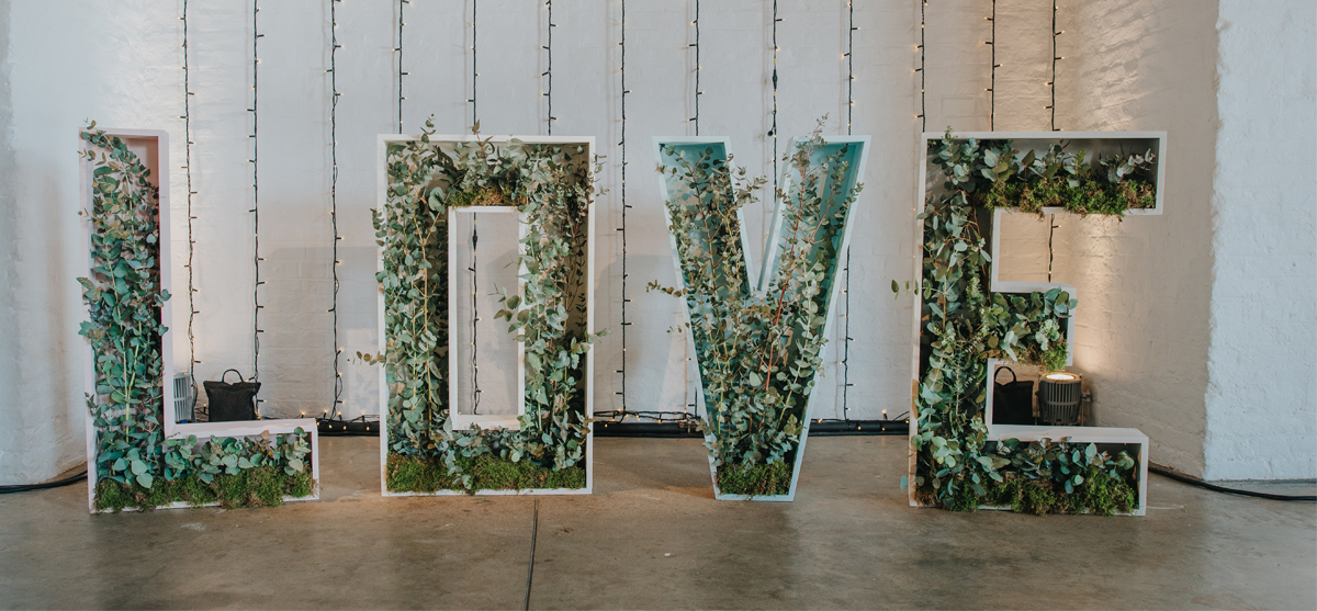 Featured Image for Devine Bride: The Botanical vs Greenery Trend