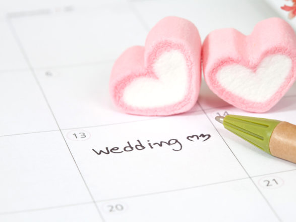 Featured Image for What you need to know about picking your wedding date