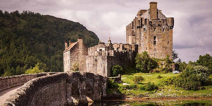 Eilean Donan Castle elopement venue