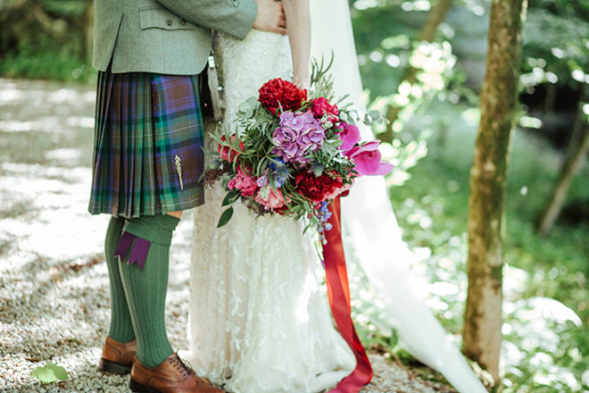Featured Image for 30 examples to help you write unique + romantic wedding vows