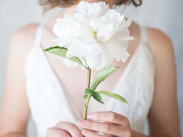 Featured Image for 8 single stem bouquet ideas