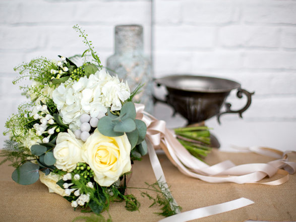 Featured Image for Three ways to make your wedding decor look effortlessly put together!