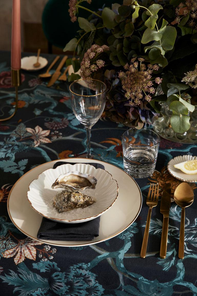 H&;M gold cutlery weddings