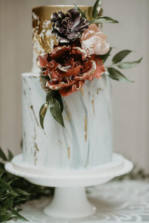 Featured Image for 21 inspirational ideas for your wedding cake sugarcraft florals