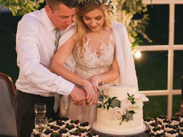 Featured Image for Cakes decoded: Understanding wedding cake buzzwords!