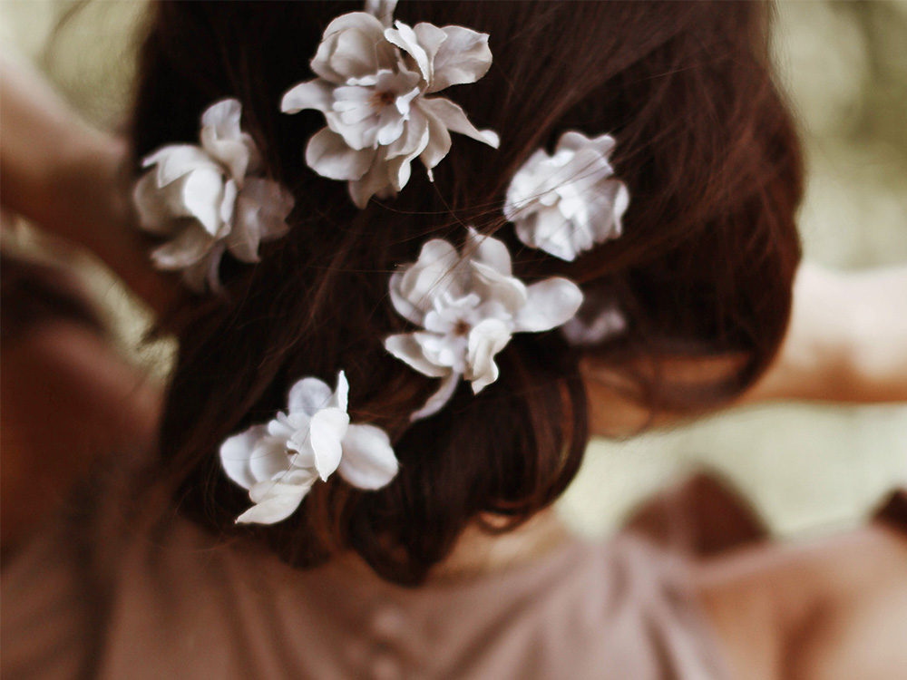 Featured Image for 8 bridal headpieces for summer brides