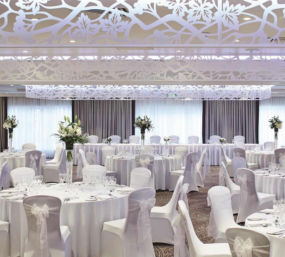 Dlamahoy Hotel wedding suite