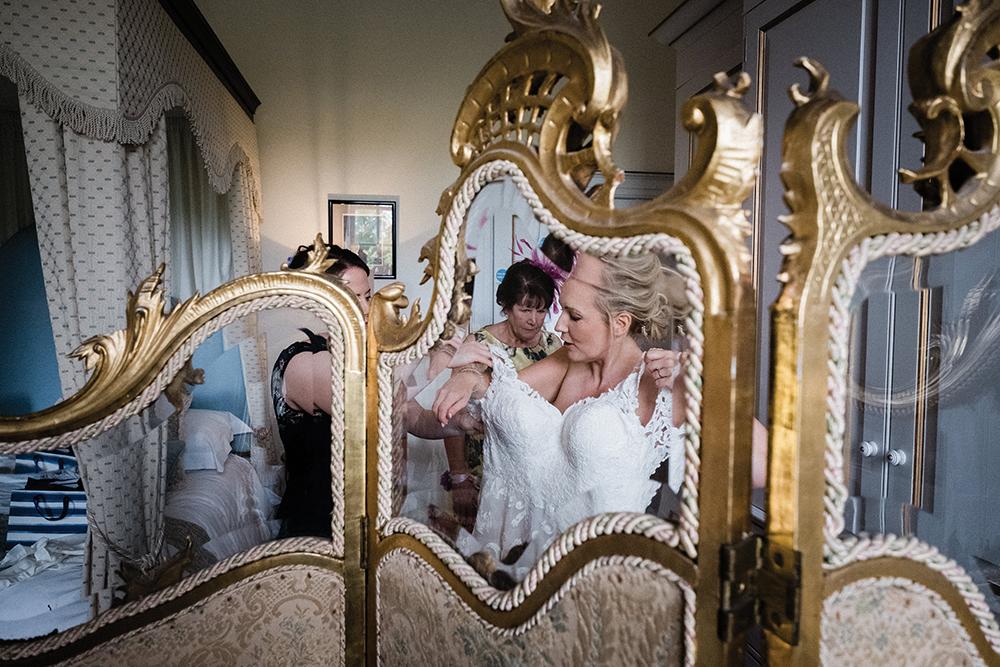 getting ready - Fern Photography wedding at Gilmerton House