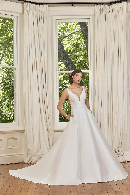 Sophia Tolli minamalistic gown
