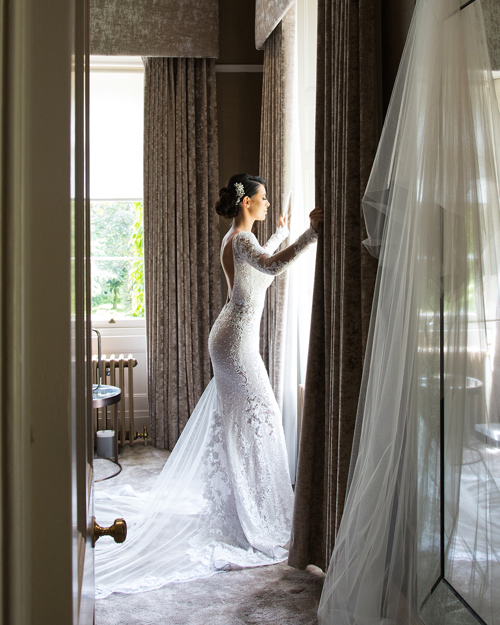 getting ready - Julie Lamont wedding at Carlowrie Castle