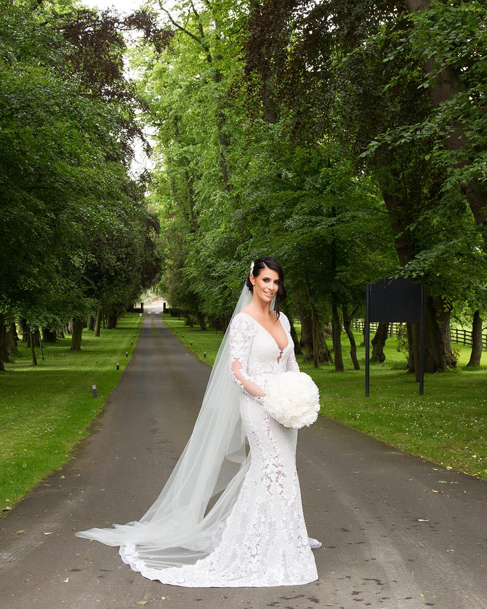 Julie Lamont wedding at Carlowrie Castle