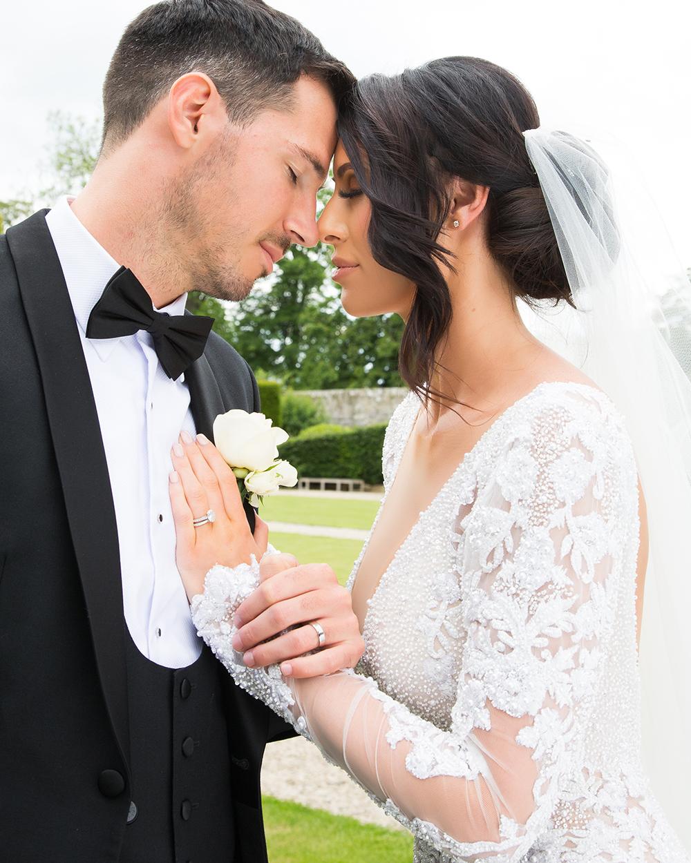 couple shot - Julie Lamont wedding at Carlowrie Castle