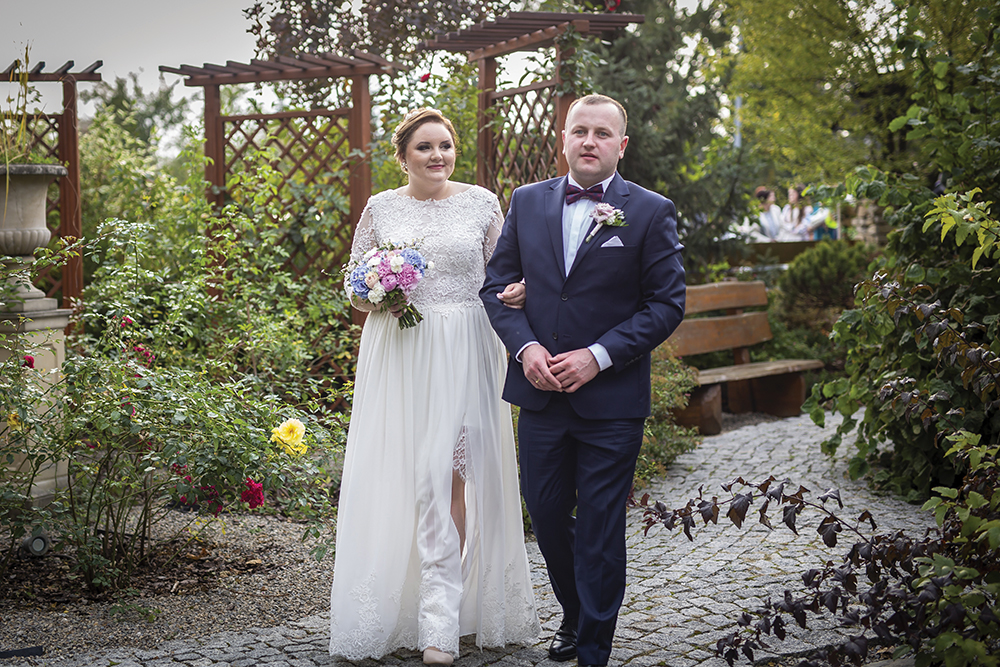 """Featured Image for """"I wanted my custom plus-size wedding dress to be subtly sexy!"""""""